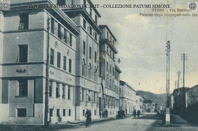 Terni - Via Battisti e Palazzo degli Impiegati dello Stato