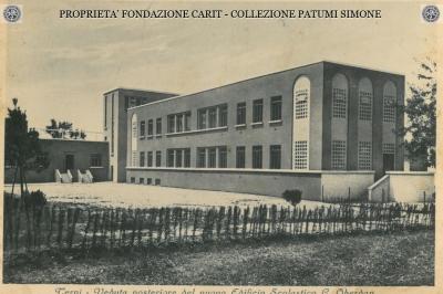 Terni - Veduta posteriore del nuovo Edificio Scolastico G. Oberdan