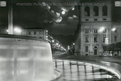 Terni - Piazza Tacito - Fontana (Notturno)