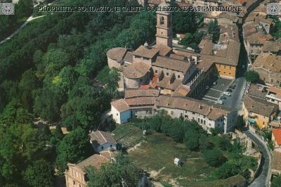 Terni - Veduta aerea del Duomo e dei resti dell'Anfiteatro Romano
